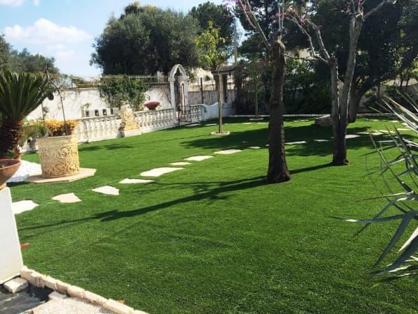 Erba sintetica o prato vero pro e contro vivai pollice - Cosa mettere al posto dell erba in giardino ...